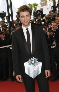 rob_pattinson_gift